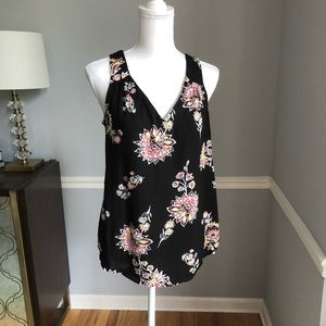 Floral tank top with keyhole back